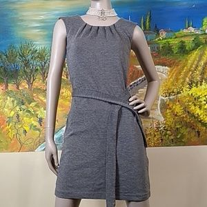 Banana republic gray sleeveless belted dress stret
